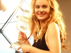 Emmelie de Forest with her winning trophy