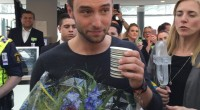 Måns Zelmerlöw returned home to flowers