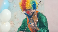 Alexander Rybak as clown